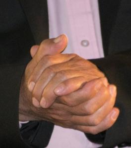 Detalle de las manos de José Crisanto Gómez.
