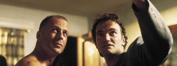 Willis escucha atentamente a Tarantino.